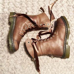 Women's Dr. Martens combat boots paid $175 size 7